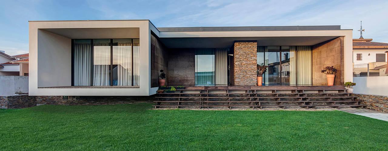 Rumah Modern Oleh ARKHY PHOTO Modern