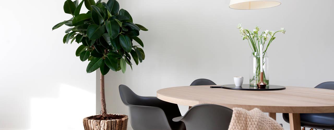 Salle à manger de style  par Interieur Design by Nicole & Fleur, Moderne