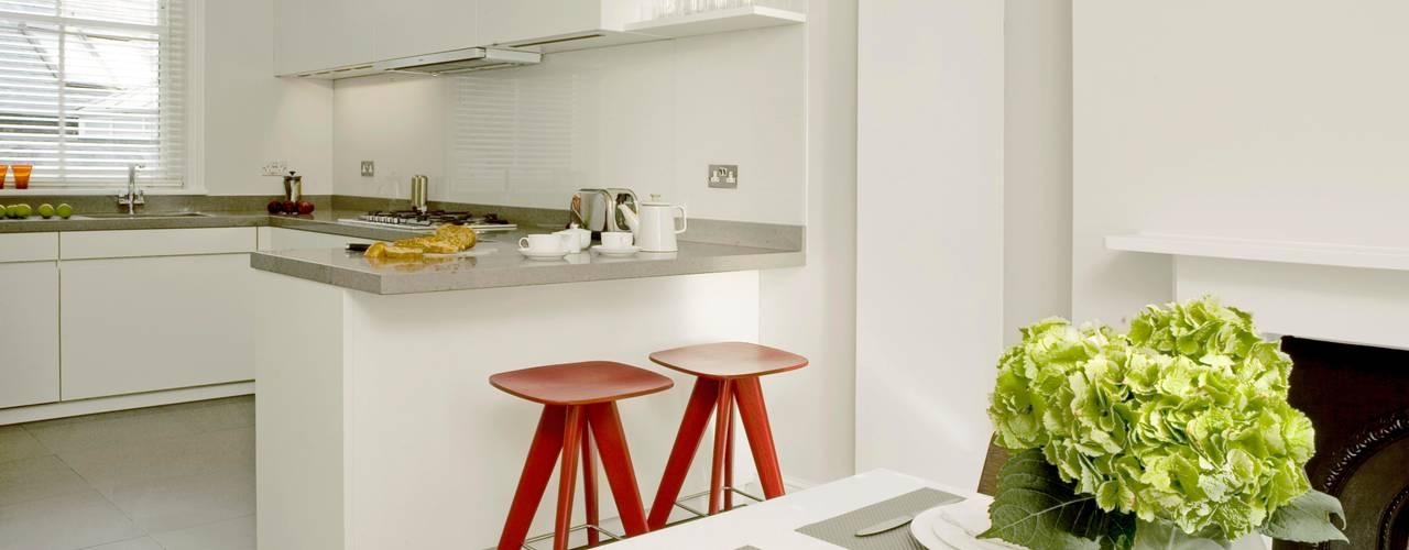 Small U Shaped Kitchen Modern kitchen by Elan Kitchens Modern