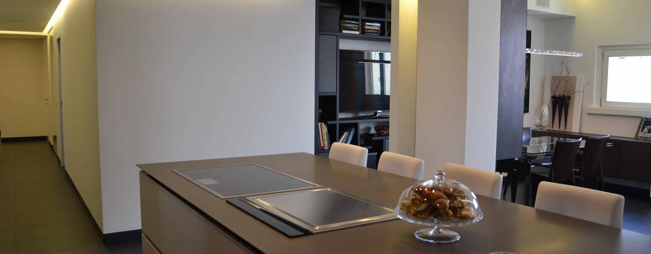Appartamento Milano Naviglio Cucina moderna di DCA Studio - Davide Carelli Architetto Moderno
