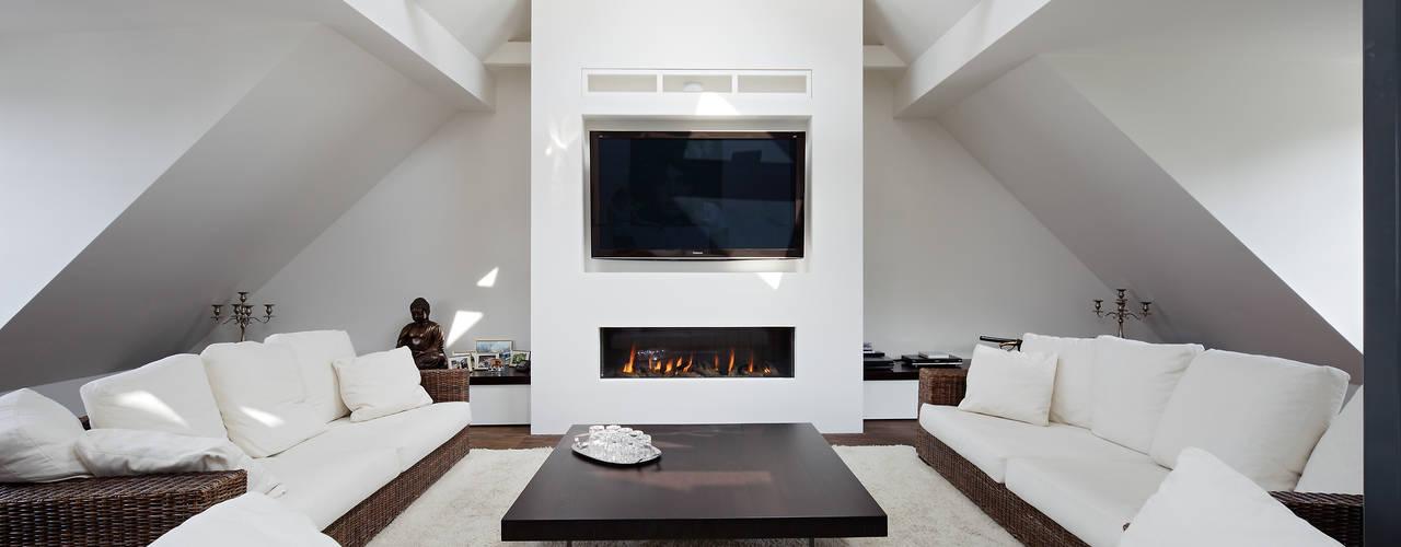 Salas multimedia de estilo clásico de Innendesigner Kemper & Düchting GmbH Clásico