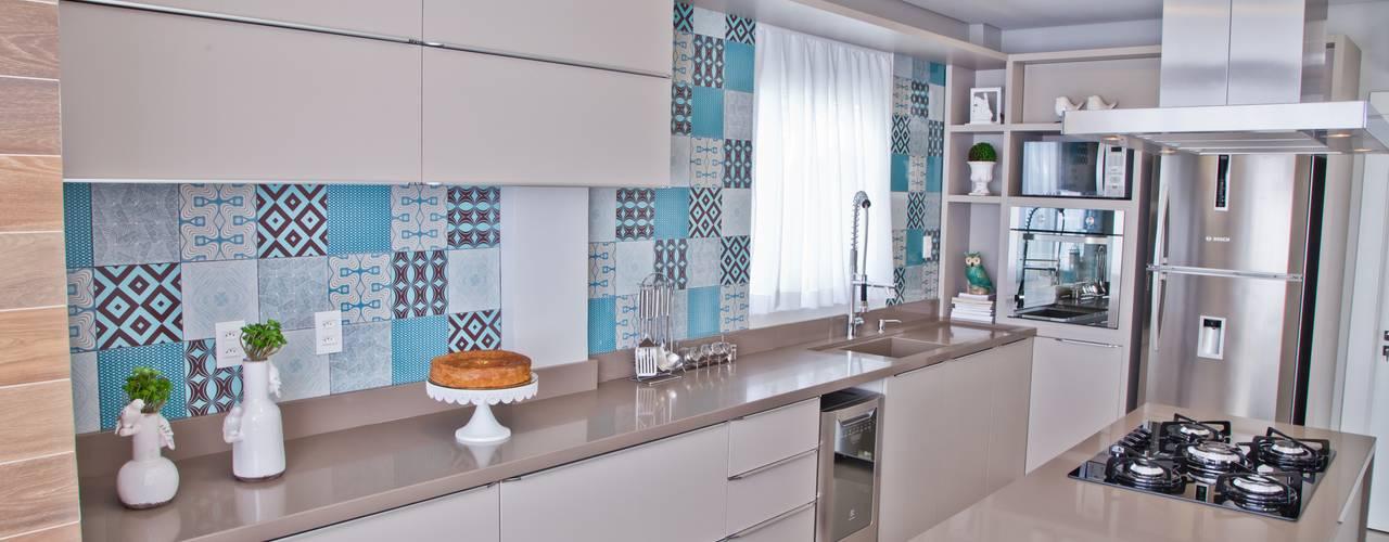 Cocinas de estilo  por Tumelero Arquitetas Associadas