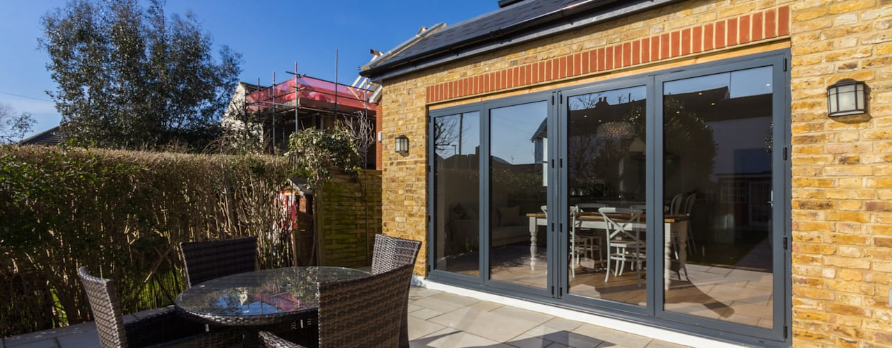 Extension and Renovation, Surbiton KT6:  Houses by TOTUS