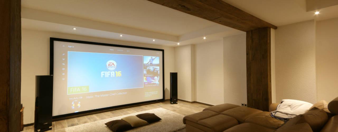 Salas multimedia de estilo moderno de Dipl.-Ing. Innenarchiktetur Moderno