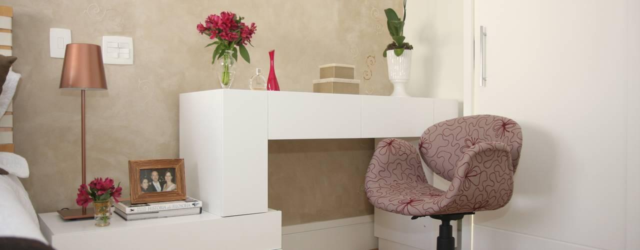 Habitaciones modernas de Liliana Zenaro Interiores Moderno