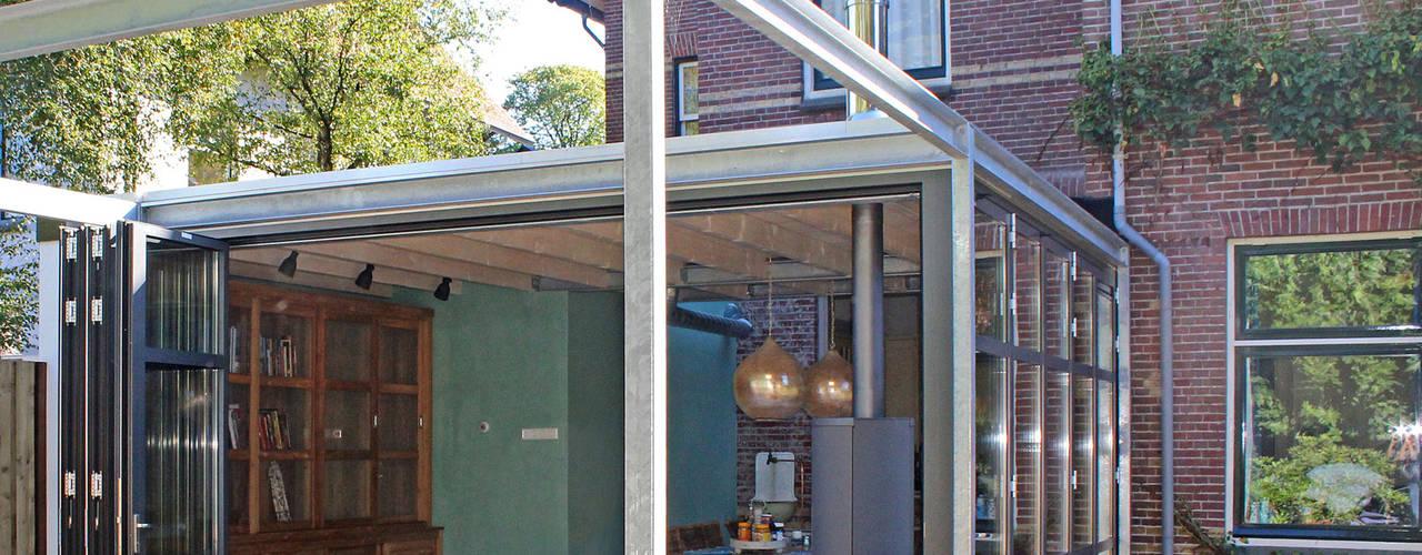 GLAZEN AANBOUW MET 'INDUSTRIAL LOOK' Industriële serres van ID-Architectuur Industrieel