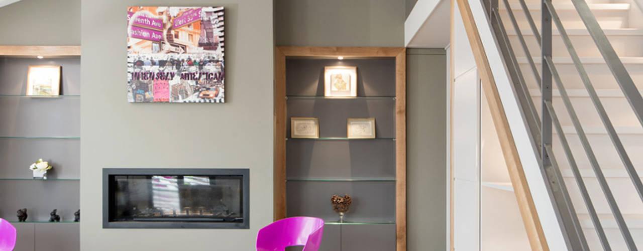 Réhabilitation intérieure et extérieure d'un appartement à Lyon Salon moderne par réHome Moderne