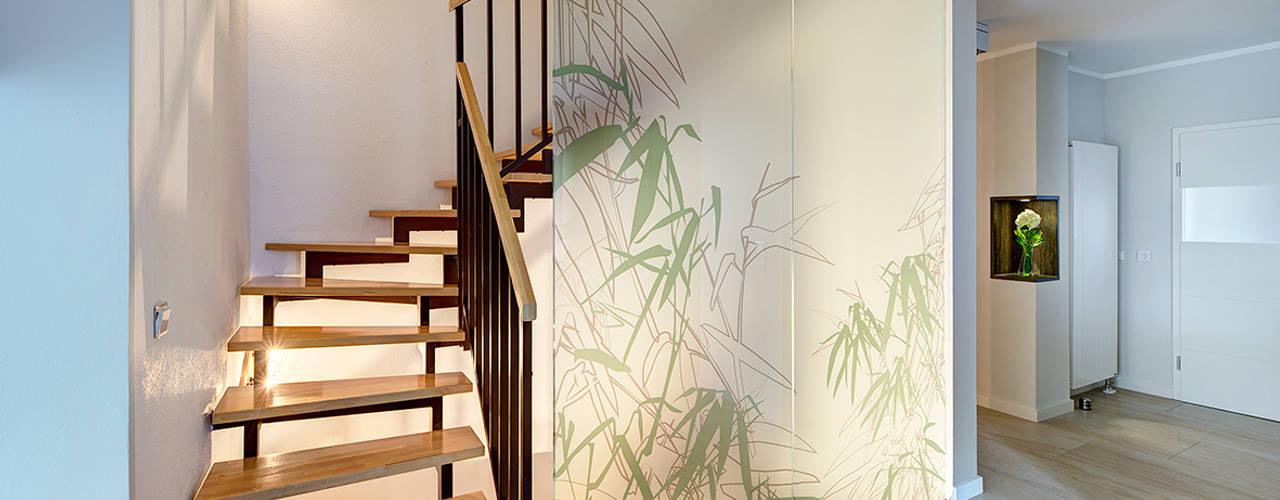 Moderne gangen, hallen & trappenhuizen van Innenarchitektin Katrin Reinhold Modern