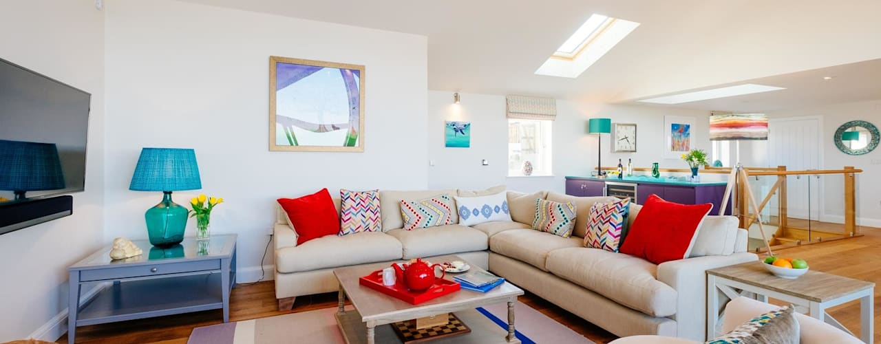 Tregoose, Polzeath | Cornwall Modern living room by Perfect Stays Modern