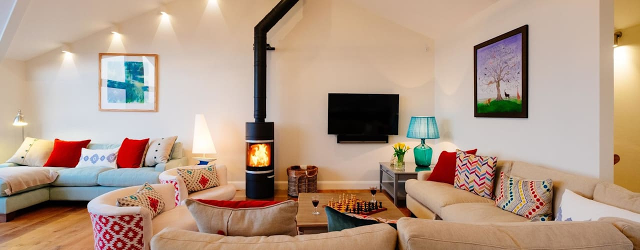 Tregoose, Polzeath | Cornwall Modern living room by Perfect Stays Modern