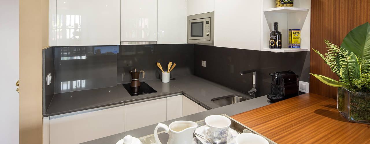 Cocinas de estilo moderno de Ardes Arquitectos Moderno