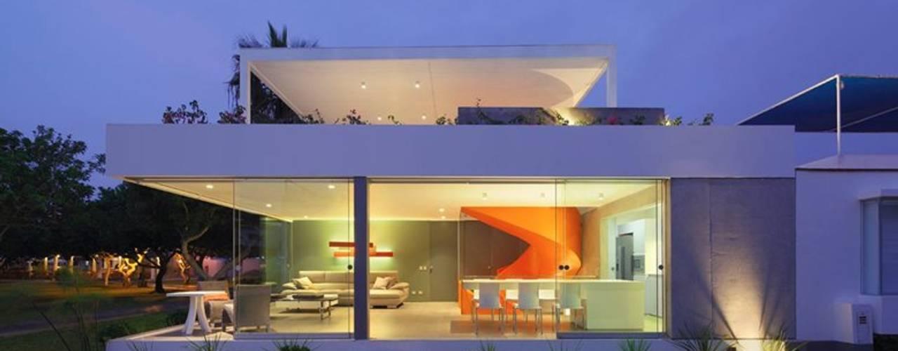 Casa Blanca Casas modernas de Martin Dulanto Moderno