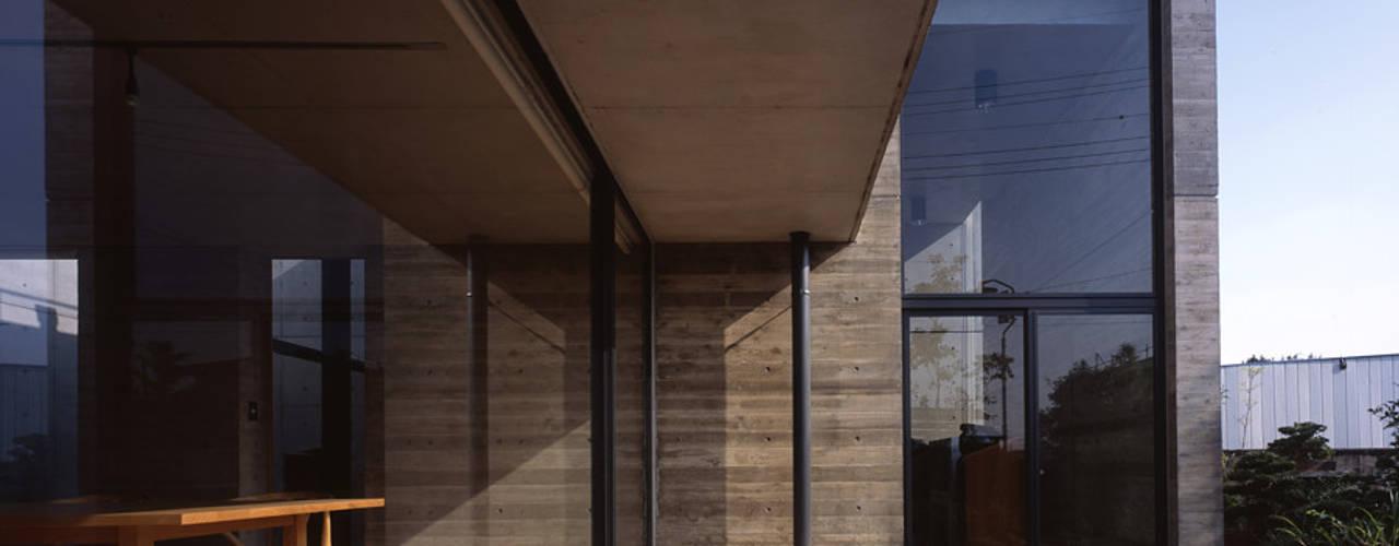 結城の家 モダンデザインの テラス の SHSTT モダン