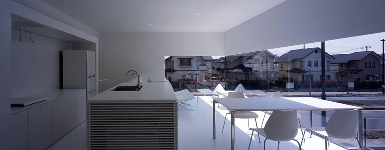 印旛のスタジオ ミニマルデザインの リビング の SHSTT ミニマル