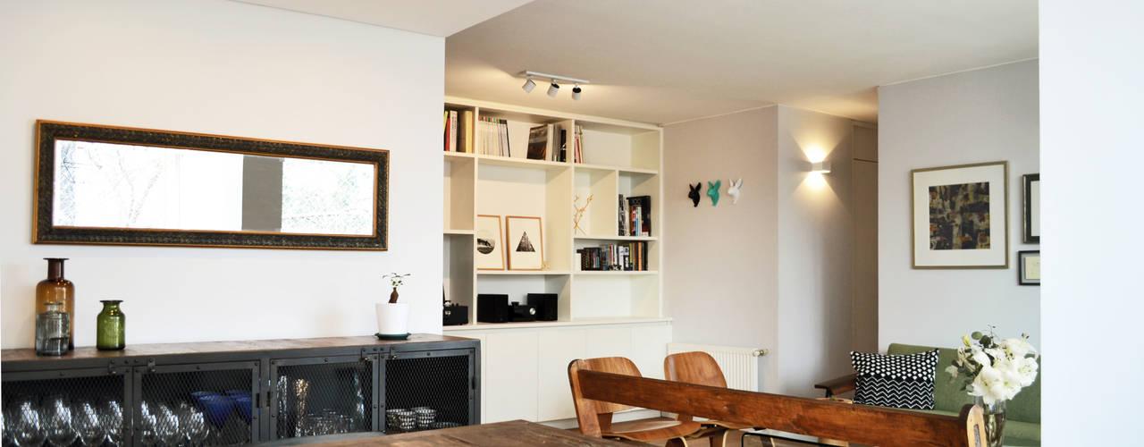 DEPTO. 34 : Livings de estilo  por ESTUDIO BASE ARQUITECTOS