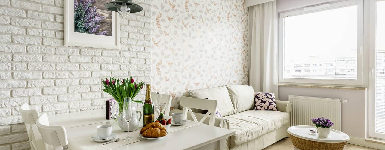 Salas de estilo  por Anna Serafin Architektura Wnętrz