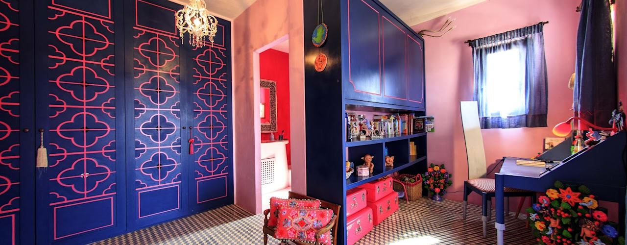 Closets de estilo  por Crafted Tiles, Mediterráneo