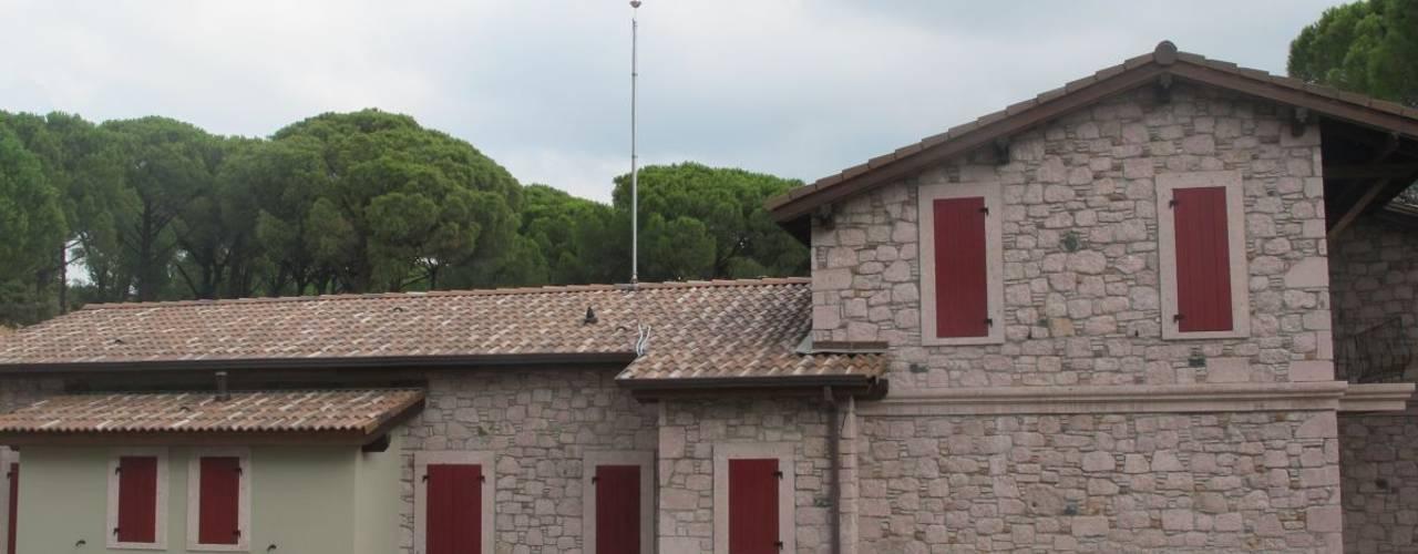 Casas de estilo rural de Plano Mimarlık ve Teknoloji Rural
