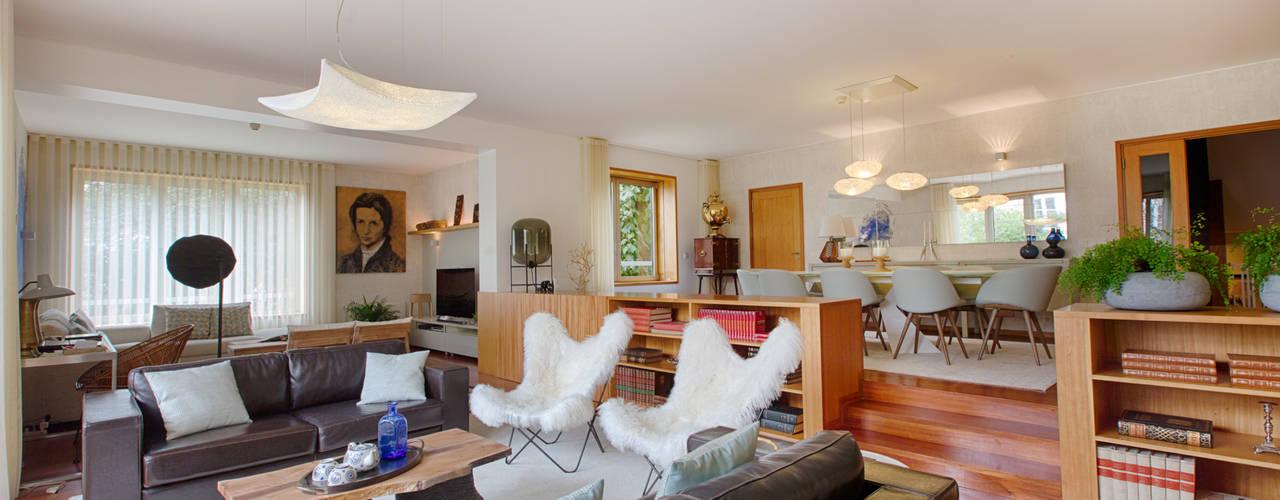 Casa em Leça da Palmeira Salas de estar ecléticas por ShiStudio Interior Design Eclético