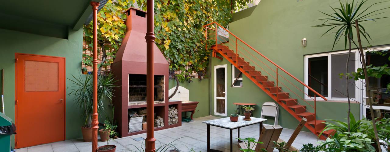 Minimalist style garden by Pop Arq Minimalist