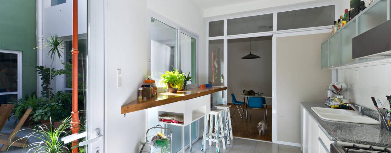 Ph con Parra: Cocinas de estilo minimalista por Pop Arq