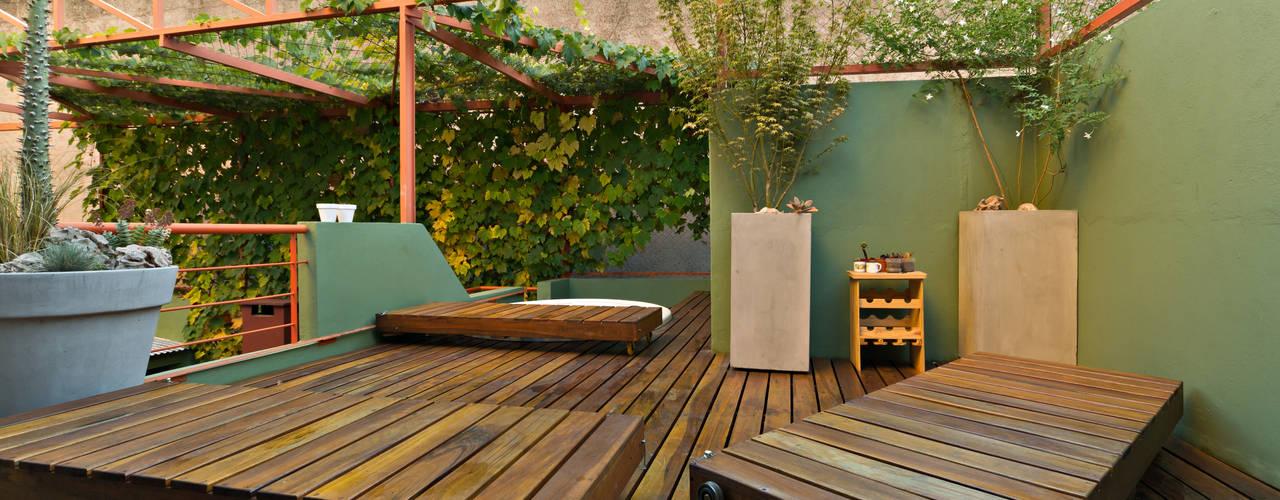 Jardines de estilo minimalista por Pop Arq