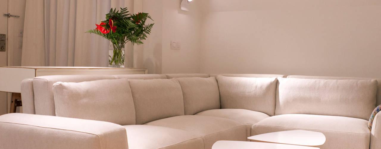 Living room by LCB studio, Modern