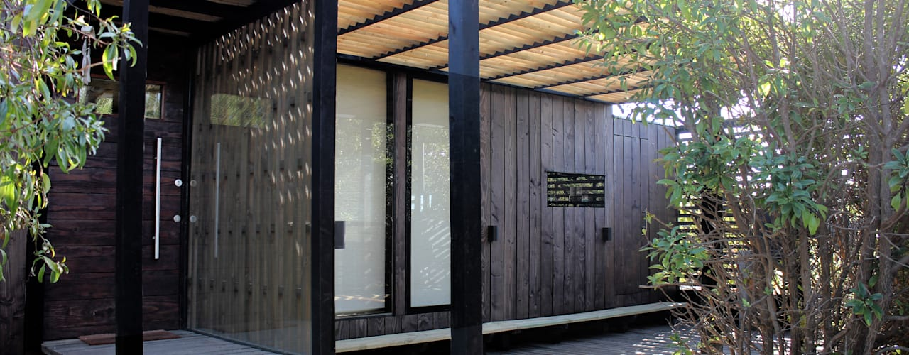 Construcción de Casa Ro en Matanzas por ALIWEN: Casas unifamiliares de estilo  por ALIWEN arquitectura & construcción sustentable - Santiago, Moderno