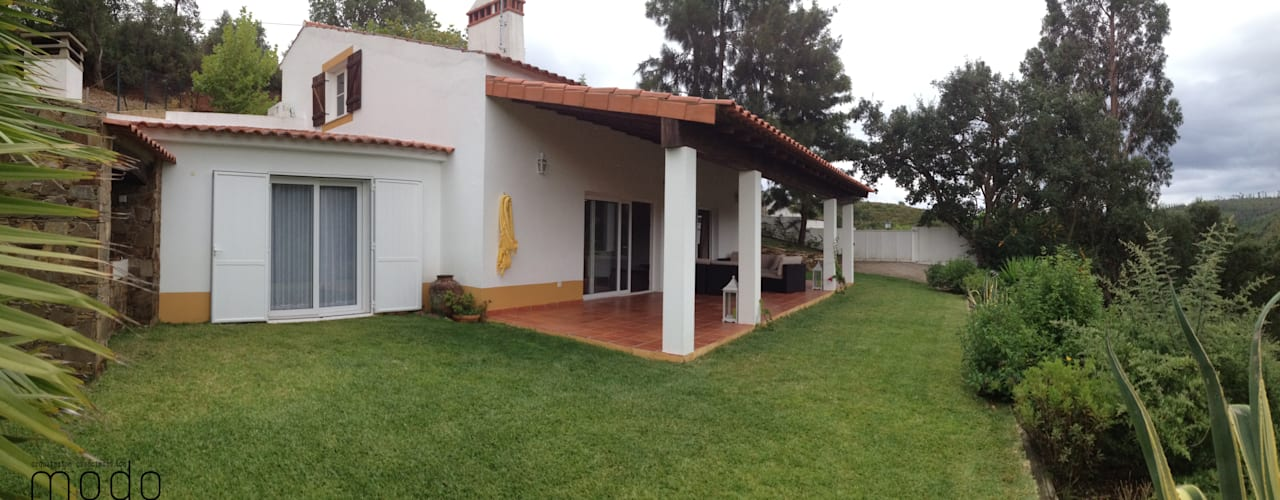 Casas rústicas de Modo Arquitectos Associados Rústico