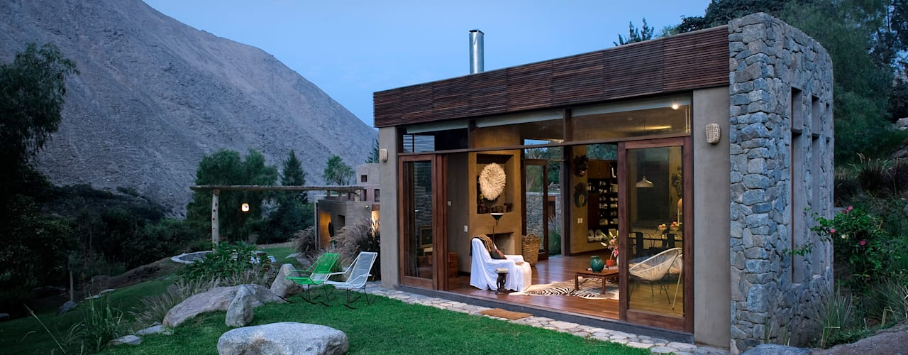 Une belle petite maison rustique en pierre naturelle