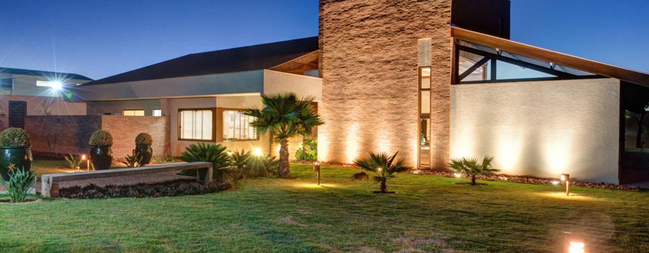 Casas  por BRAVIM ◘ RICCI ARQUITETURA