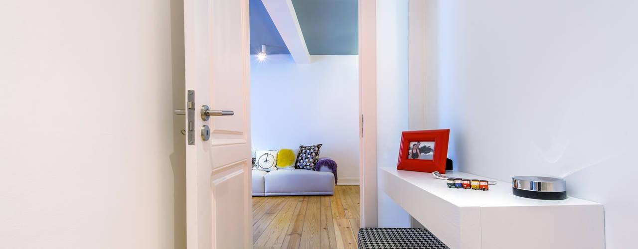 Apartamento Graça Corredores, halls e escadas ecléticos por Espaço Mínimo Eclético