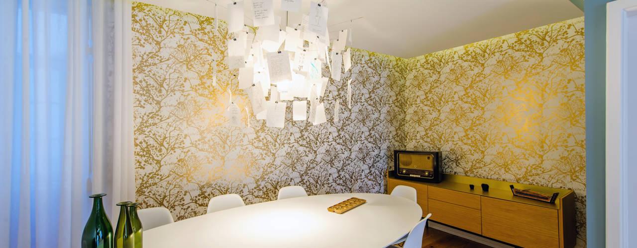 Apartamento Graça: Salas de jantar  por Espaço Mínimo