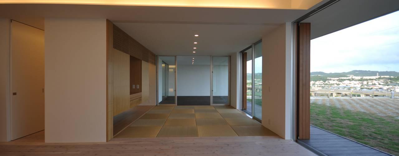 NKZT-house モダンデザインの リビング の 門一級建築士事務所 モダン
