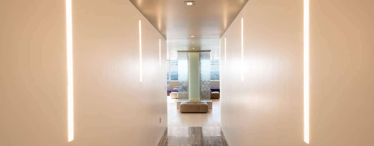 Corridor & hallway by Andrew Mikhael Architect