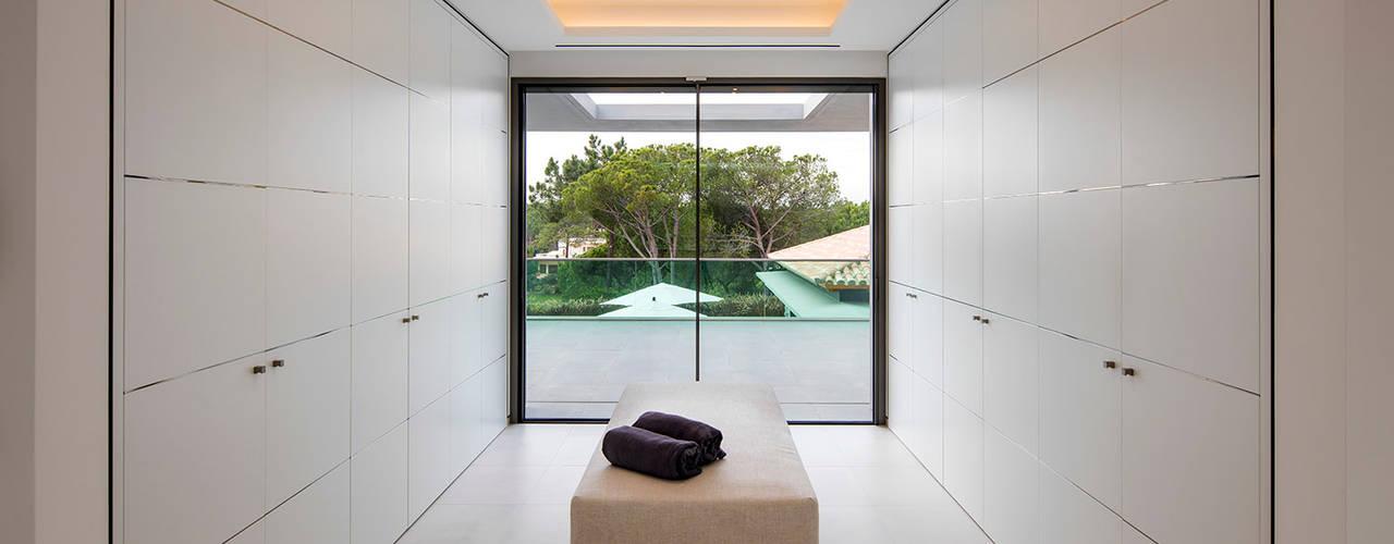 Hi-cam Portugal Modern Dressing Room