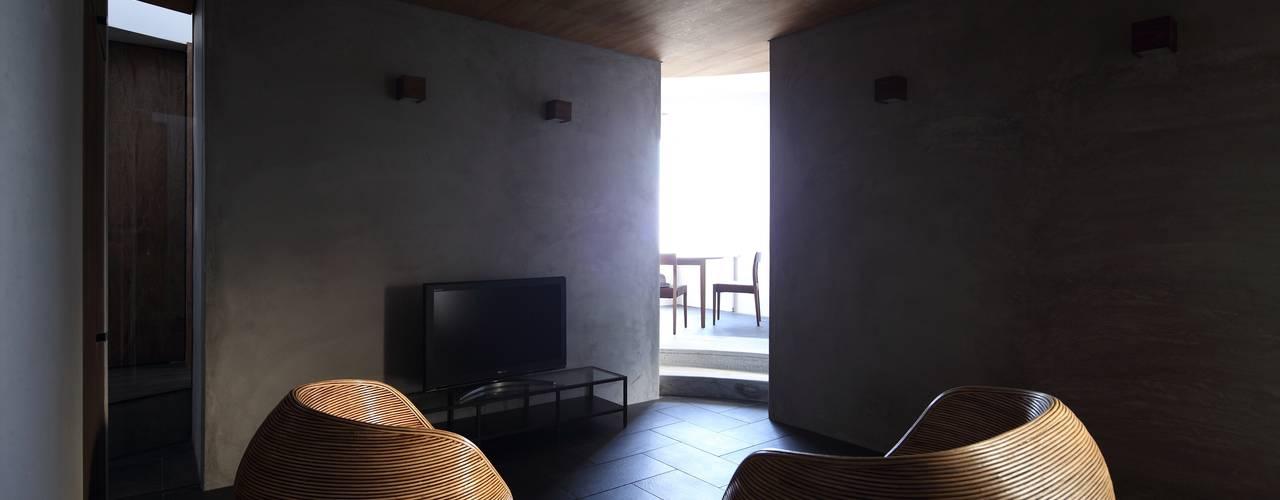Ruang Keluarga by 藤原・室 建築設計事務所