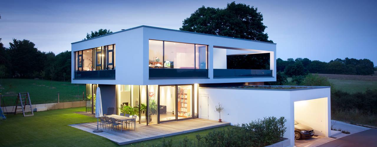 Casas modernas: Ideas, imágenes y decoración de Klaus Geyer Elektrotechnik Moderno