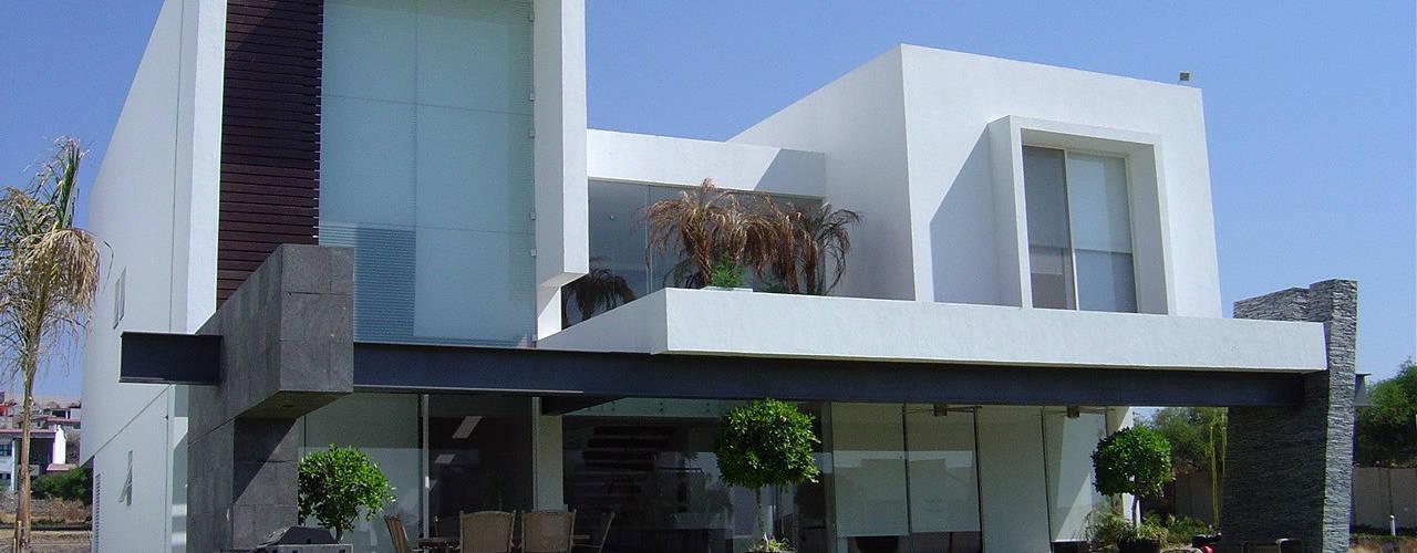 Moderne Häuser von AParquitectos Modern