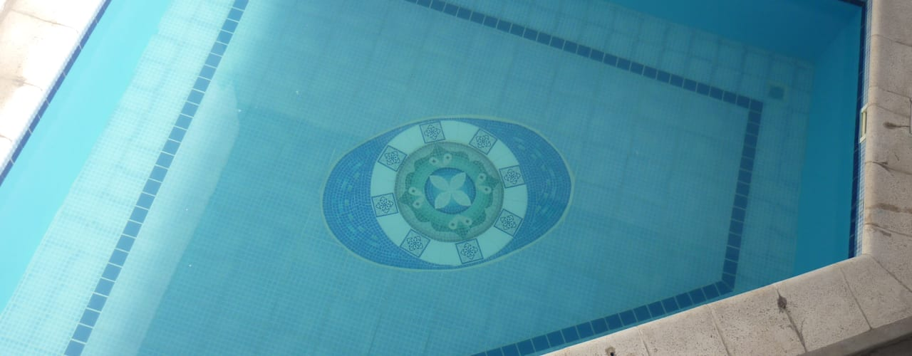 Pool by Mosa Y Quito, Modern