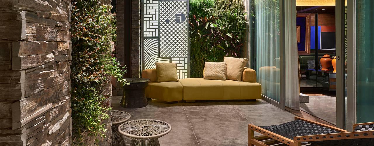 Hiên, sân thượng by Gislene Lopes Arquitetura e Design de Interiores