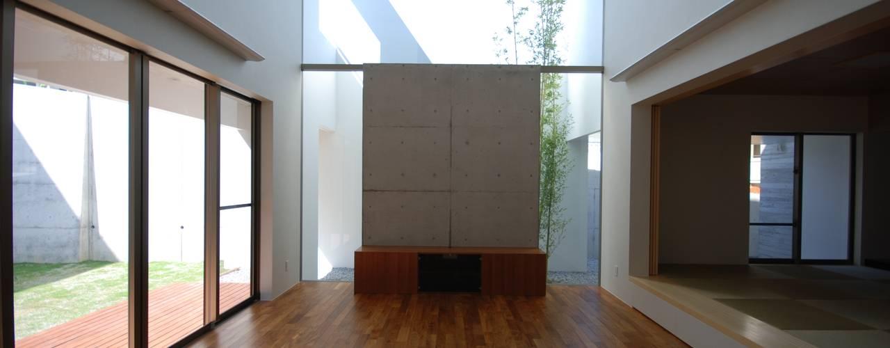 HKM-house モダンデザインの リビング の 門一級建築士事務所 モダン