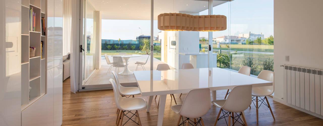 Столовые комнаты в . Автор – VISMARACORSI ARQUITECTOS