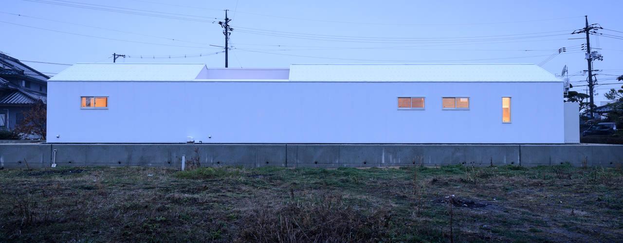 Casas modernas por 風景のある家.LLC Moderno