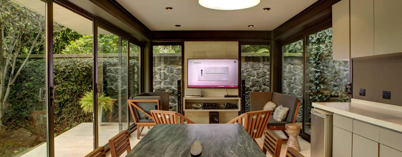 Salas de jantar modernas por RIMA Arquitectura Moderno