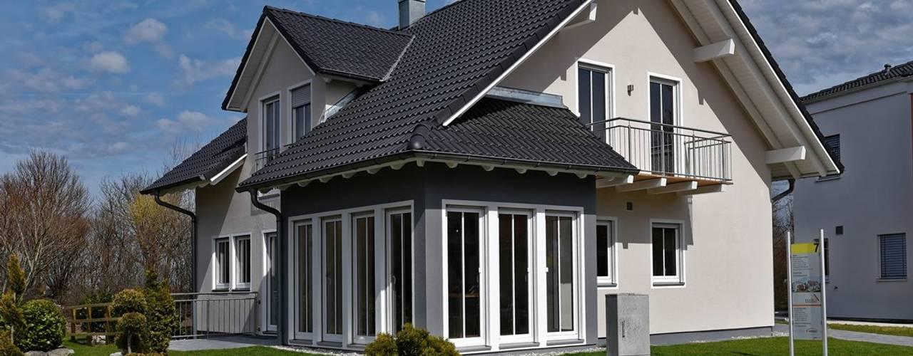 Projekty,  Domy zaprojektowane przez Licht-Design Skapetze GmbH & Co. KG