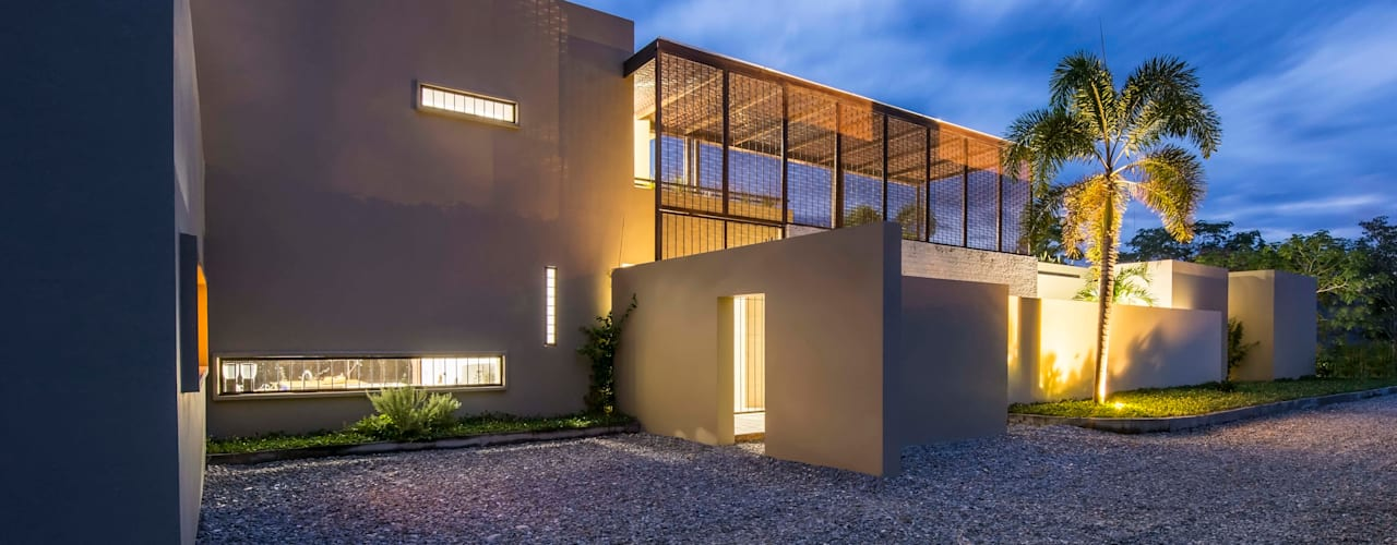 Casa Loma - Efecto Urdimbre Garajes de estilo minimalista de David Macias Arquitectura & Urbanismo Minimalista