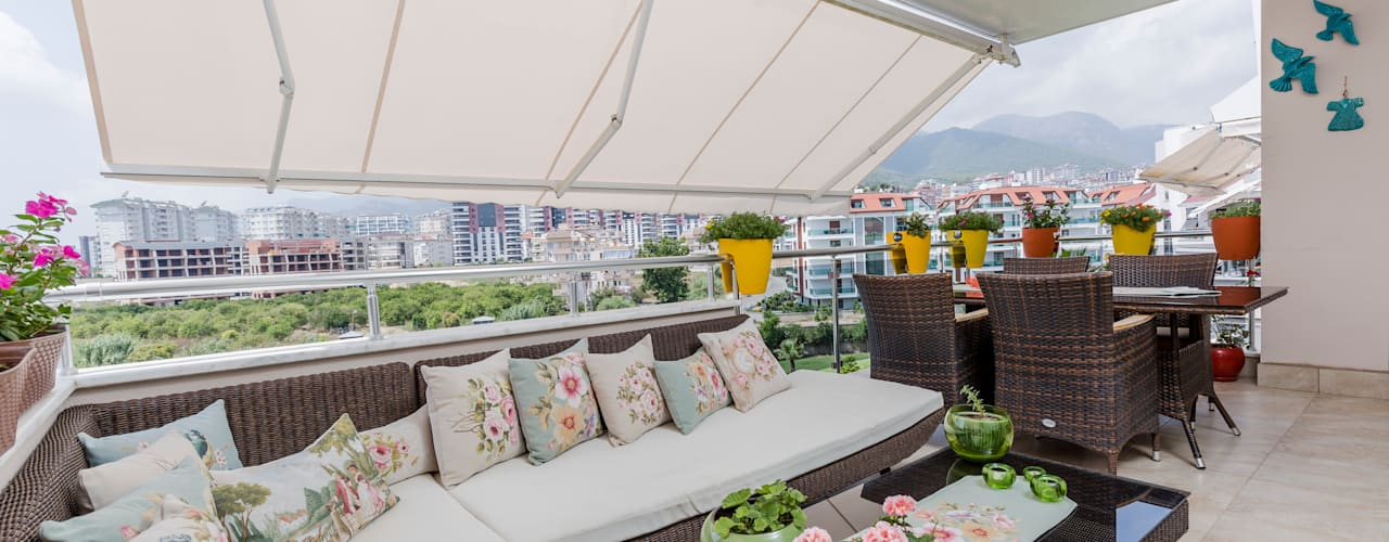 Klassieke balkons, veranda's en terrassen van Mimoza Mimarlık Klassiek