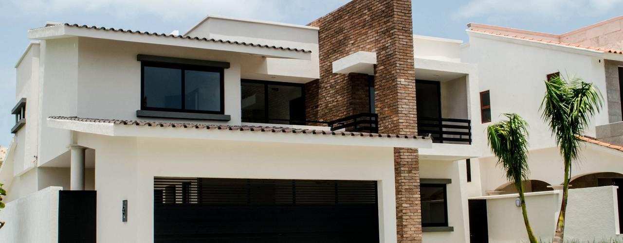 โดย ARKOT arquitectura + construcción โมเดิร์น