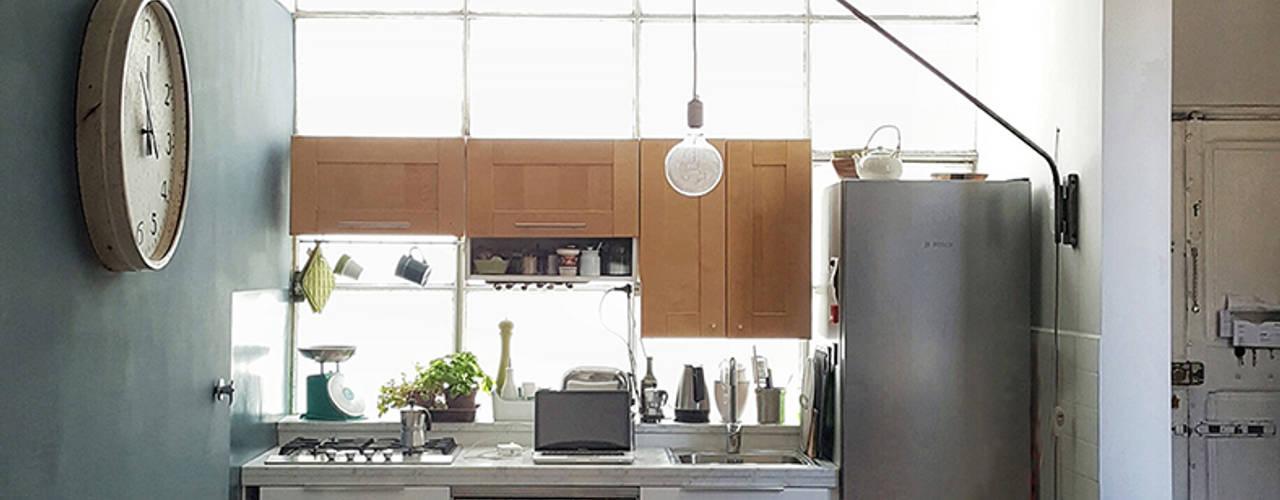 OSTIENSE FLAT Mohamed Keilani Interiors Cucina in stile industriale